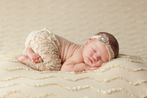 charleston_sc_newborn_photographer_Ellyson_09