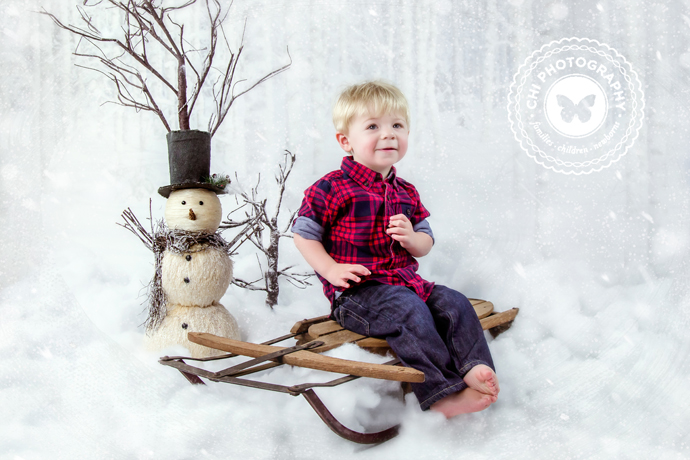 IMAGE: http://chiphotographyofatlanta.com/wp-content/uploads/2014/12/atlanta_ga_newborn_photographer_christmas_mini_076.jpg