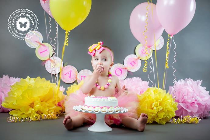 12_acworth_atlanta_newborn_cake_smask_photographer_baby_aria